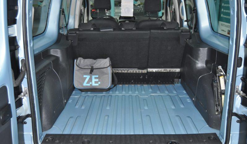 RENAULT Kangoo Furgon Maxi Z.E. 5 plazas lleno